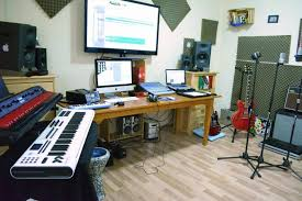 A Nice Professional Looking Studio In This Shot From Hector Varela