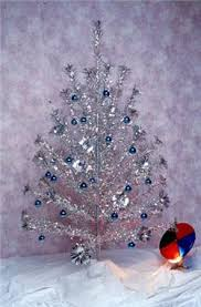 Popular In The 1960s And 1970s Aluminum Christmas Tree Would Change Colors As