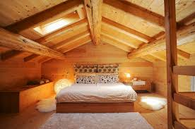 schlafzimmer unter dem dach in einem bild kaufen