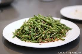 cuisiner des haricots verts verts aux graines de sésame