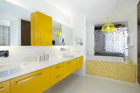 gelb im badezimmer verwenden für fröhliche peppige akzente