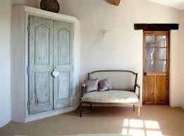 porte de placard chambre portes anciennes dans une chambre nos réalisations portes antiques