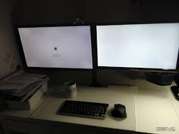 sur le bureau support écran 1home pour gagner de la place sur le bureau
