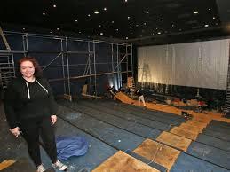 tölzer kino center renoviert und verschenkt seine sessel