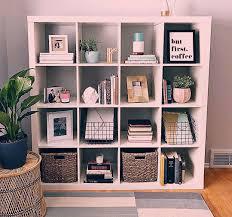 shelf styling shelf styling schlafzimmer deko