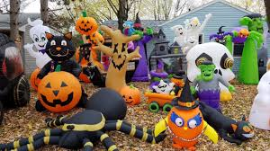 Large Blow Up Halloween Decorations by Insane Halloween Inflatable Decorations Stewartv Youtube