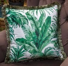 casa padrino luxus deko kissen palmenblätter design weiß grün 45 x 45 cm bedrucktes samt kissen mit fransen wohnzimmer deko
