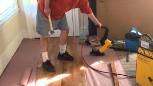 Bostitch Flooring Stapler Base Plate by Dewalt 2 And 1 Flooring Nailer Youtube