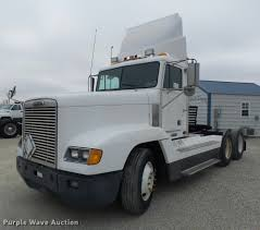 Right Size Trucks For 825 Deck by 2000 Freightliner Fld Semi Truck Item Da3263 Sold Febru