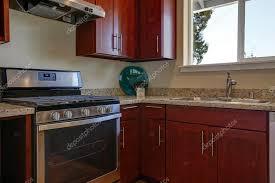 cuisine bourgogne vue de bourgogne armoires de cuisine avec comptoir de granit