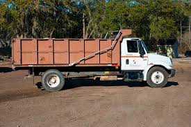100 12 Yard Dump Truck Delivery Service Vehicles All Seasons Mulch