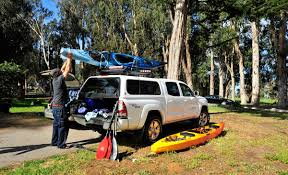 How To Properly Tie Down Your Boat To The Roof Of Your Vehicle ...