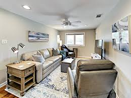 100 Top Floor Apartment With Private Deck Home Rental In Savannah