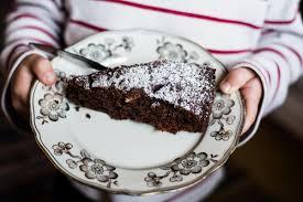 winterlicher apfelkuchen mit nüssen und schokolade can you