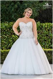 atlanta plus size bridal sample sale with curvaceous couture at