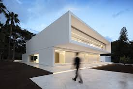 100 Minimalist Houses This House With 2 Pools Is Definition Of