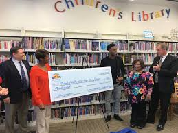 Halloween City Las Vegas Nv by Nfl Player From North Las Vegas Donates To City U0027s Library District
