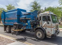 The Town Of Gilbert ⇨ CNG SCORPION ASL Garbage Truck! - YouTube