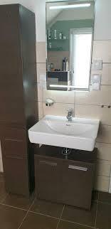 badezimmer komplett waschbecken spiegel led armatur schränke