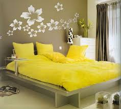 Yellow Flowers Bedroom Wall Decorations Ideas