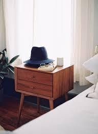 Mid Century Décor Ideas for Bedroom