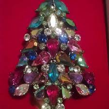 2006 AVON Collectible Christmas Tree Pin