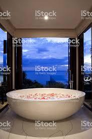 badezimmer der villa phuket badewanne stockfoto und mehr bilder architektonisches detail