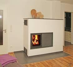 kachelöfen modern grundofen fürs wohnzimmer gießer kamine