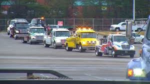 100 Emergency Truck TOW TRUCK EMERGENCY VEHICLE DRIVERS HOST RALLY FOR MOVE OVER LAW