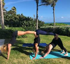Kelly Nails A Difficult Yoga Pose With Friends Credit Instagram Kellyripa