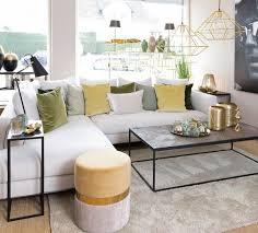 modernes wohnzimmer mit goldigen details gold wohnzimmer