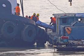 Tug Boat Sinks by 21 Dead 1 Missing After Tugboat Sinks In China New Straits