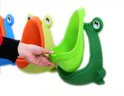 Frog Potty Chair Walmart by Amazon Com Foryee Cute Frog Potty Training Urinal For Boys With