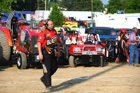 100 Central Ohio Truck Pullers Carroll County Man Blazes Trail As National Tractor Pull Champ