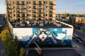 Big Ang Mural Chicago by Check Out This Huge Mural Meant To Capture Spirit Of Lakeview