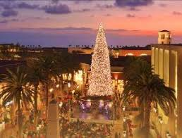 2015 Brings Disney Style Christmas To Fashion Island Newport Beach Twinkling With Decorations And Music Each Evening At 5pm The Tree Lightening