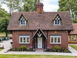 100 Gamekeepers Cottage Keepers Ref M538245 In Patrixbourne Kent