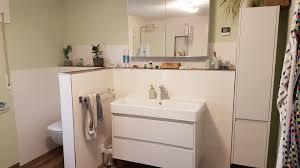 trennwand zwischen wc und waschbecken