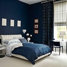 chambre adulte noir chambre à coucher idée peinture chambre adulte murs bleus chaise