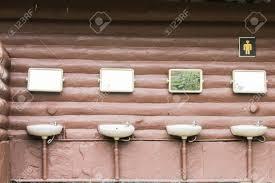 badezimmer englisch bad ein raum der für die persönliche hygiene verwendet wird die meisten menschen haben eine badewanne oder dusche und
