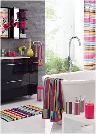 Decorate Your Bathrooms With These Trendy Bath Mats And Rugs