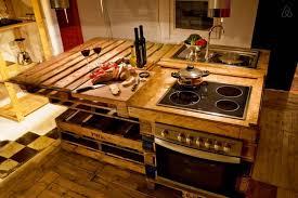 ilot cuisine palette ilot central palette idees cuisine accueil design et mobilier