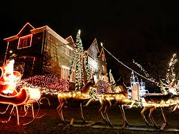Christmas Decorator Warehouse Arlington Tx by Best Places For Holiday Decorations In Dfw Cbs Dallas Fort Worth