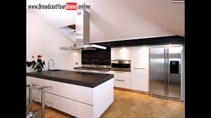 einbauküche weiß hochglanz mit kochinsel abzugshaube