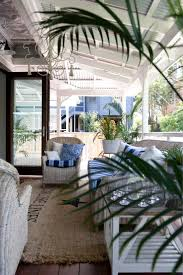 Screened In Porch Decorating Ideas And Photos by Best 20 Beach Porch Ideas On Pinterest Beach Patio Beach Style