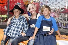 Shawns Pumpkin Patch Los Angeles Ca by Gwen Stefani Photos Photos Feeding America And The Los Angeles