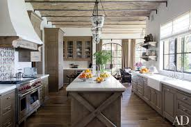 It Will Be Nice If You Have Metallic Kitchen Appliances They Blend Perfectly With The Rustic Wooden Furniture Can Add Flowers In Beautiful Vases