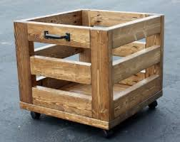 A Nice Box Made Of Pallet Planks Projects To Try Pinterest