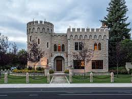 housse siege auto castle you ll feel like royalty in modern day castle in boise