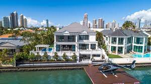104 Water Front House Buyers Willing To Pay More For Gold Coast Front Properties Realestate Com Au